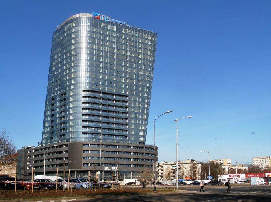 Hanza_Tower_in_Szczecin,_March_2021